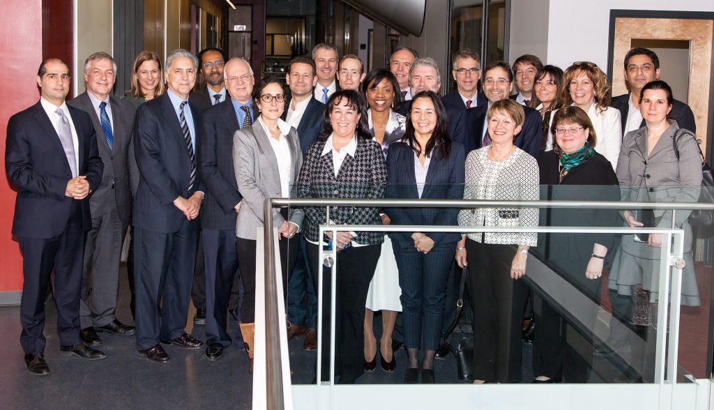 Représentants des gouvernements provinciaux, fédéraux, de l'IRIC, d'IRICoR, de Bristol-Myers Squibb (BMS), et du secteur des sciences de la vie.